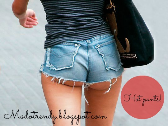 Hot Pants Denim - Womenswear