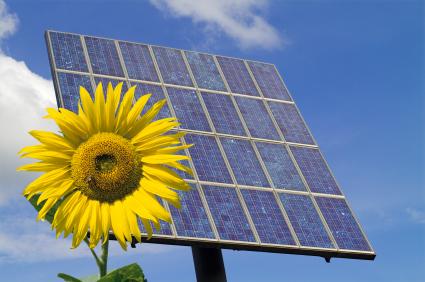 ENERGIA EOLICA Y AEROGENERADORES: ENERGIA SOLAR ventajas y desventajas