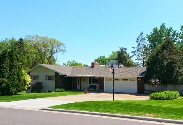 NEW LIST! 4+BR/2BA/2 Car Maplewood Rambler