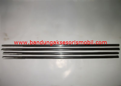 List Pintu Samping Stainless Toyota Rush