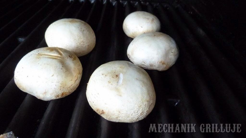 Pieczarki faszerowane pesto z lazurem mechanik grilluje broil king grilluj i gotuj