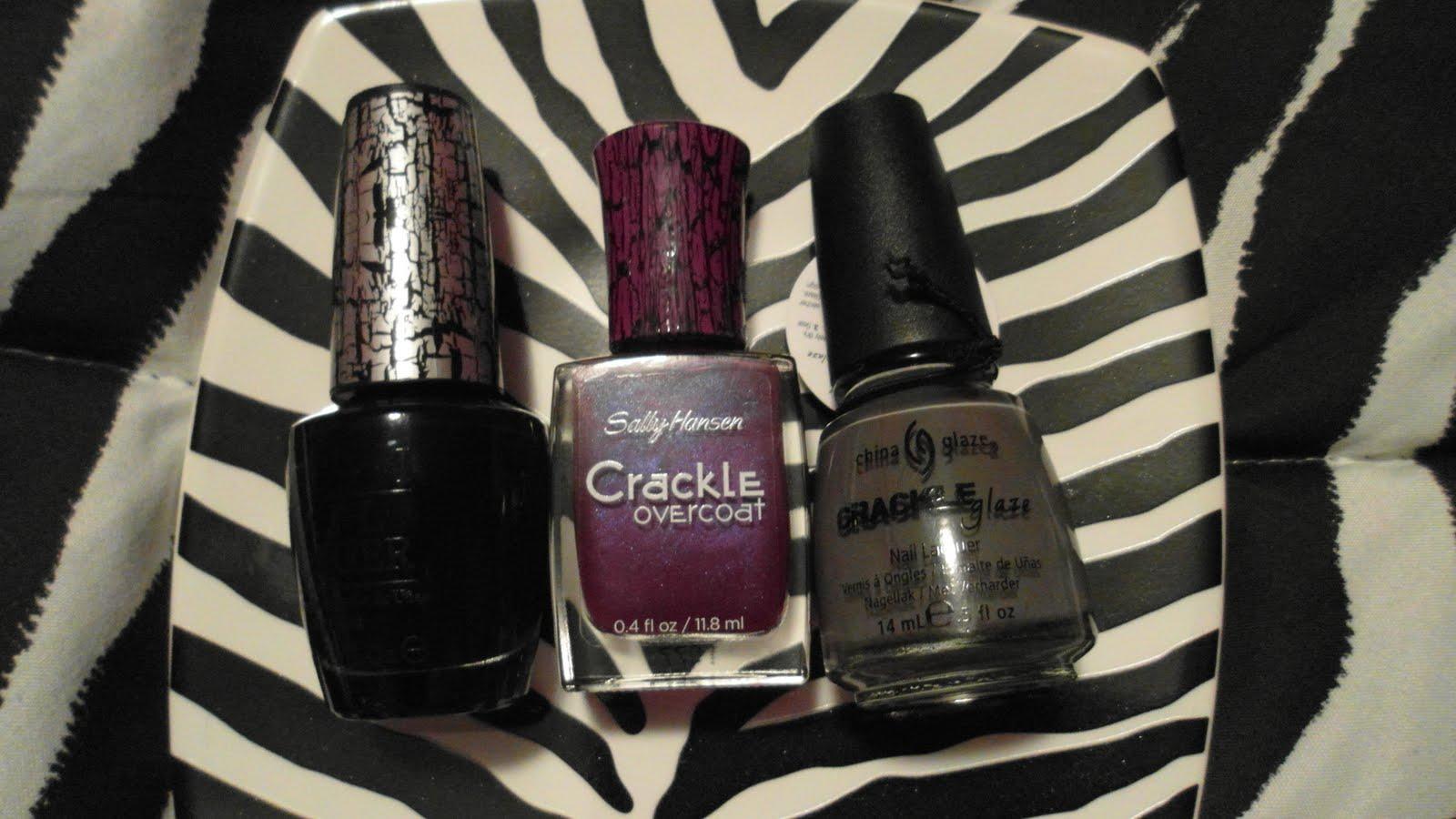 Crackle overcoat nail polish