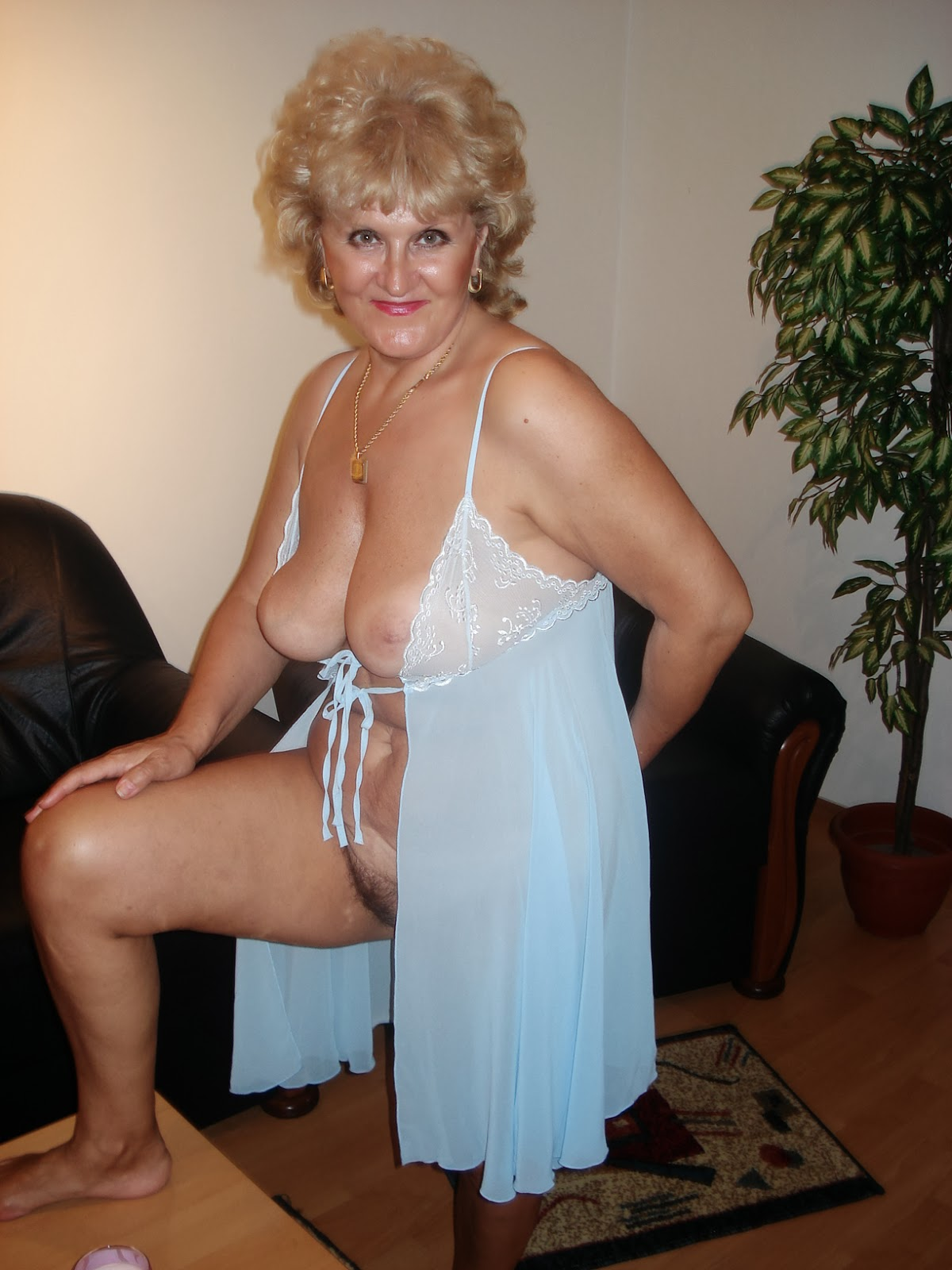 webcam mature women
