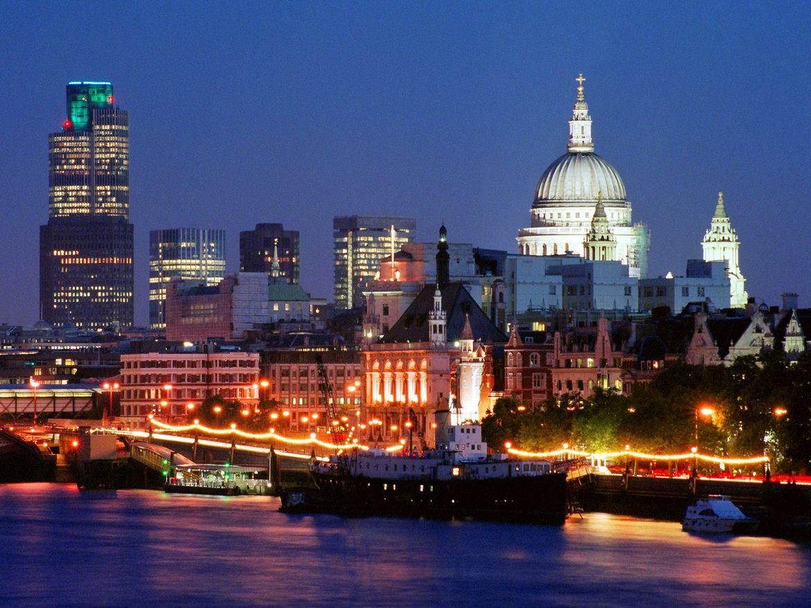 http://4.bp.blogspot.com/--ODstnfsb6w/TZAoi0uQ2-I/AAAAAAAAAic/yQX8M88qNW4/s1600/LondonSkylineEngland.jpg