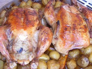 retete cu pui, retete de mancare, pui la cuptor, pui umplut cu legume, retete culinare, preparate culinare, friptura de pui,