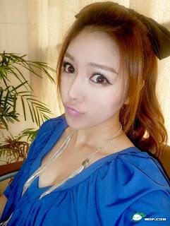 Cewek Cantik Bibir Manyun