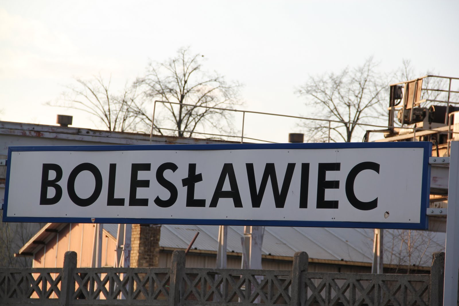 boleslawiec single guys Local residents wear orange to honor victims, survivors on national gun violence awareness day athens police officer fired for excessive use of force, policy violation.