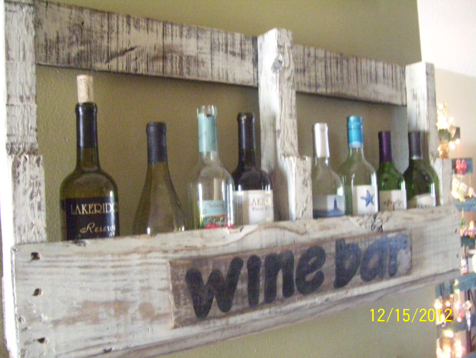 Bar Made Out Of Pallets Rustic Rediscovered Pallet Projects