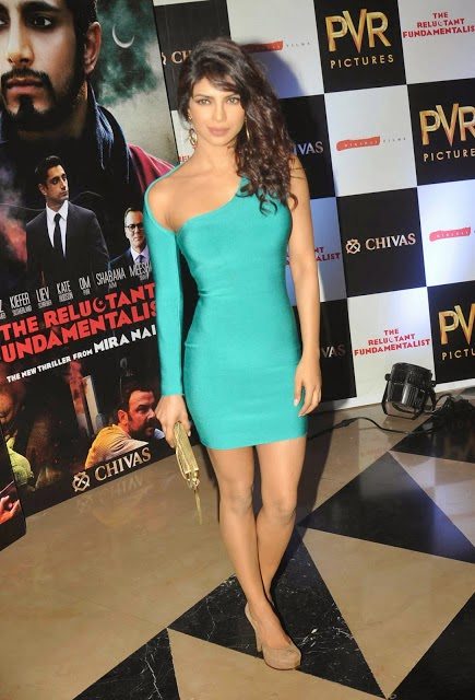 sexy-priyanka_chopra-in-body-tight-blue-dress-flaunting-her-body