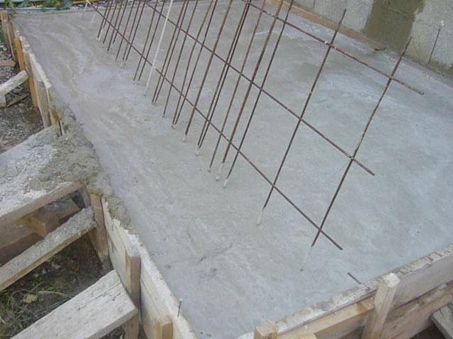 construction d 39 un escalier en b ton. Black Bedroom Furniture Sets. Home Design Ideas