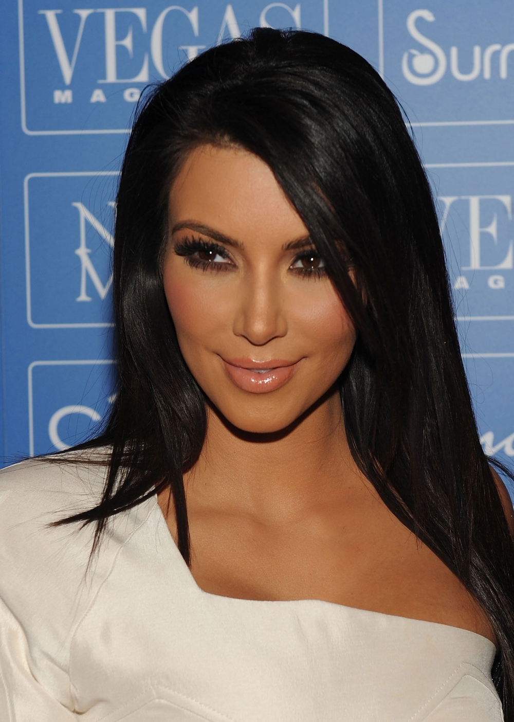 Kim Kardashian Straight Hair 07