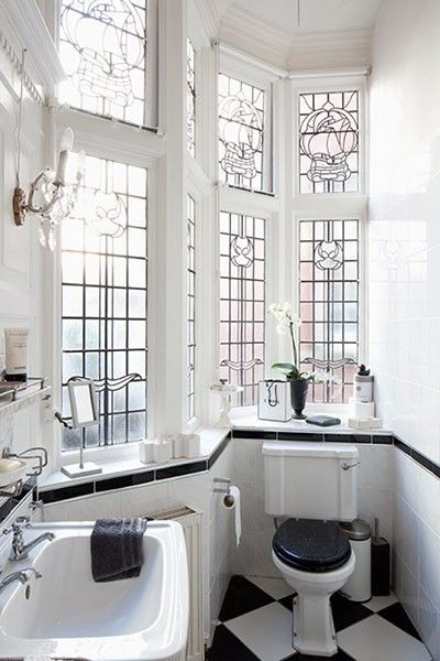 Due To The Intricate Design Of These Homes, When It Comes To Interiors,  Simple Is Sometimes Better. Look How Beautifully The Modern Tile And Décor  Works ...