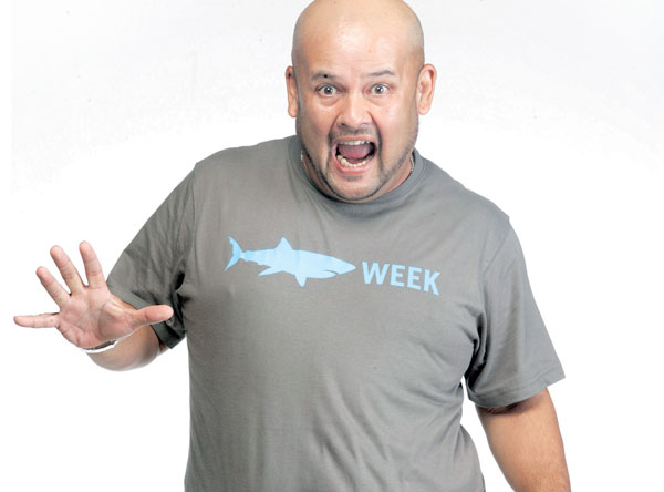 Gambar Harith Iskander Dalam Sharks Week for South East Asia