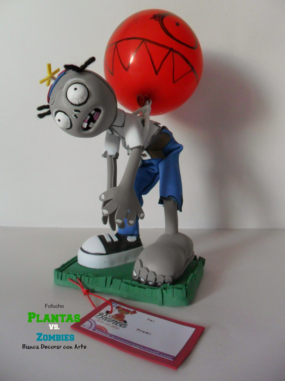 Fofucho plantas vs zombies con globo for Decoracion con globos plantas contra zombies