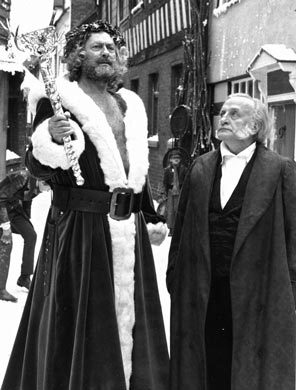 edward woodward left as the ghost of christmas present and george c scott as scrooge in the 1984 tv movie - Original Christmas Carol