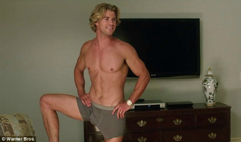 vacation-chris-hemsworth