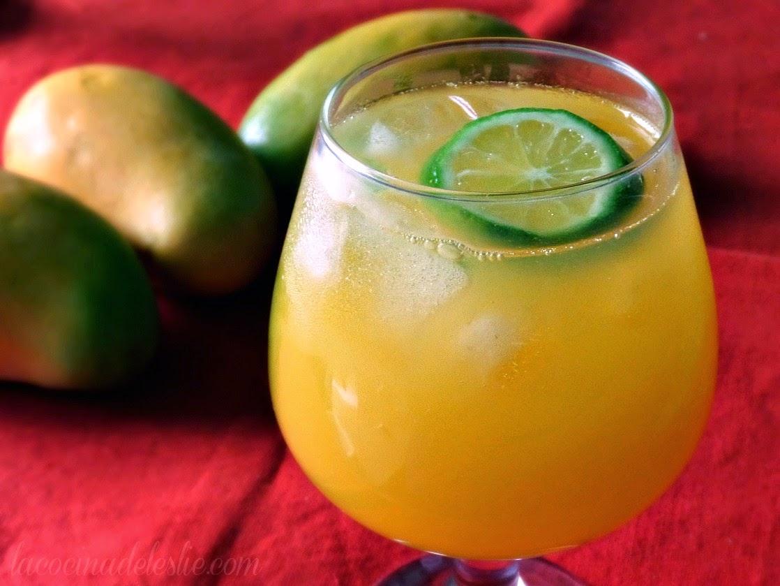 Agua de Mango y Limón - lacocinadeleslie.com