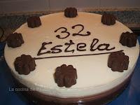 http://www.recetaspasoapaso.com/2011/08/tarta-tres-chocolates-estela.html