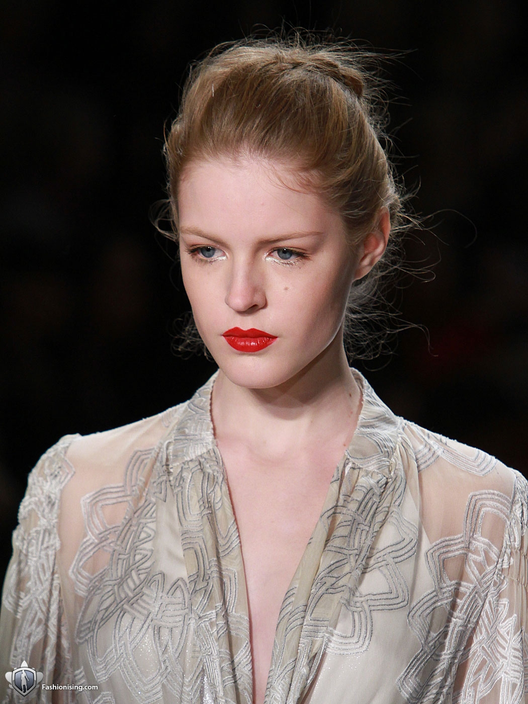 http://4.bp.blogspot.com/--QuGfluzVy8/TlN7m8oaK7I/AAAAAAAAHN8/9OiqDlME0dY/s1600/New-York-Fashion-Nanette-Lepore-Boudoir-08.jpg