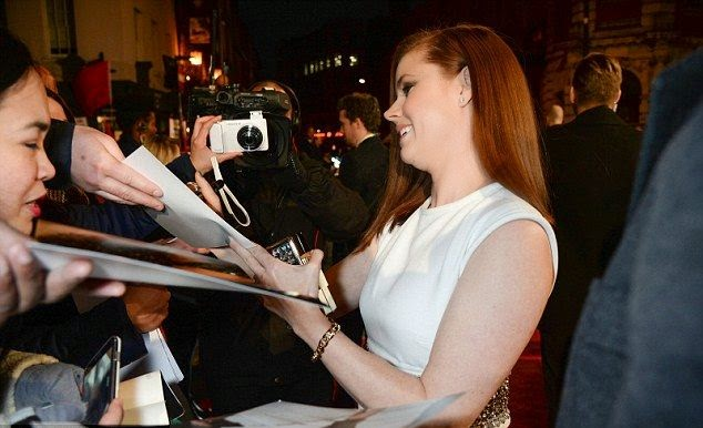Amy Adams was proved its all to reclaim her leading lady to the 2015 BAFTAs at London, England on Sunday, February 8, 2015.