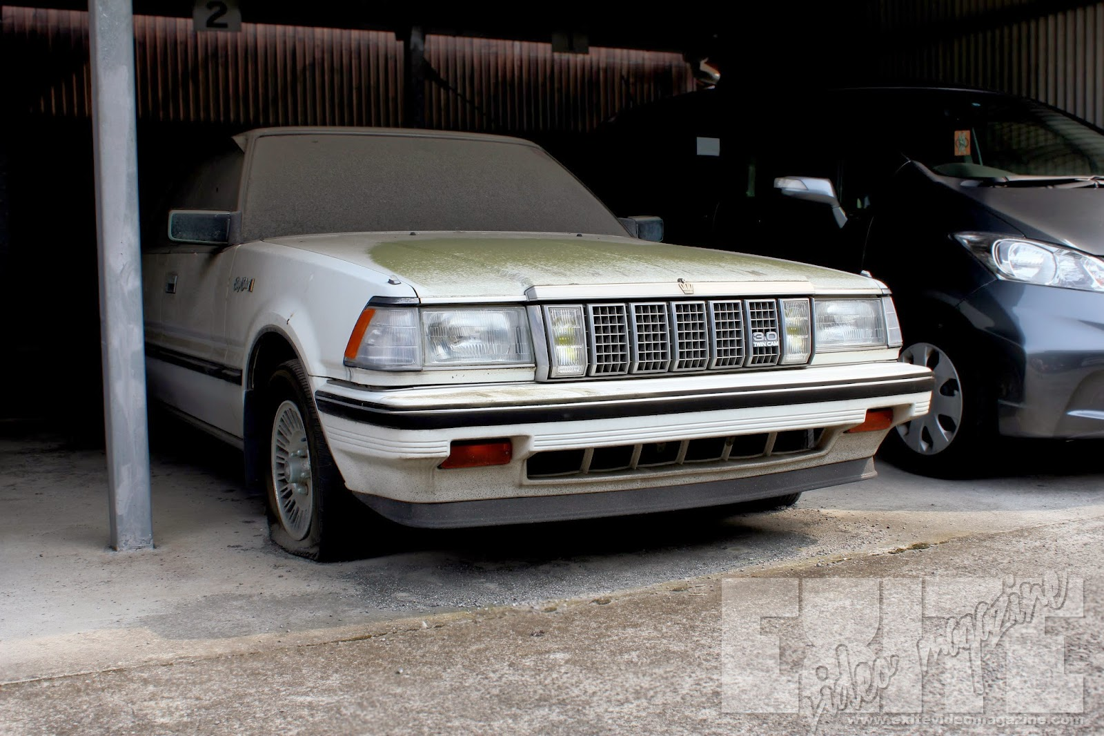 Toyota Crown 2014 >> Abandoned Toyota Crown in Usa, Oita. A VERY interesting story on this one. | eXite Video Magazine