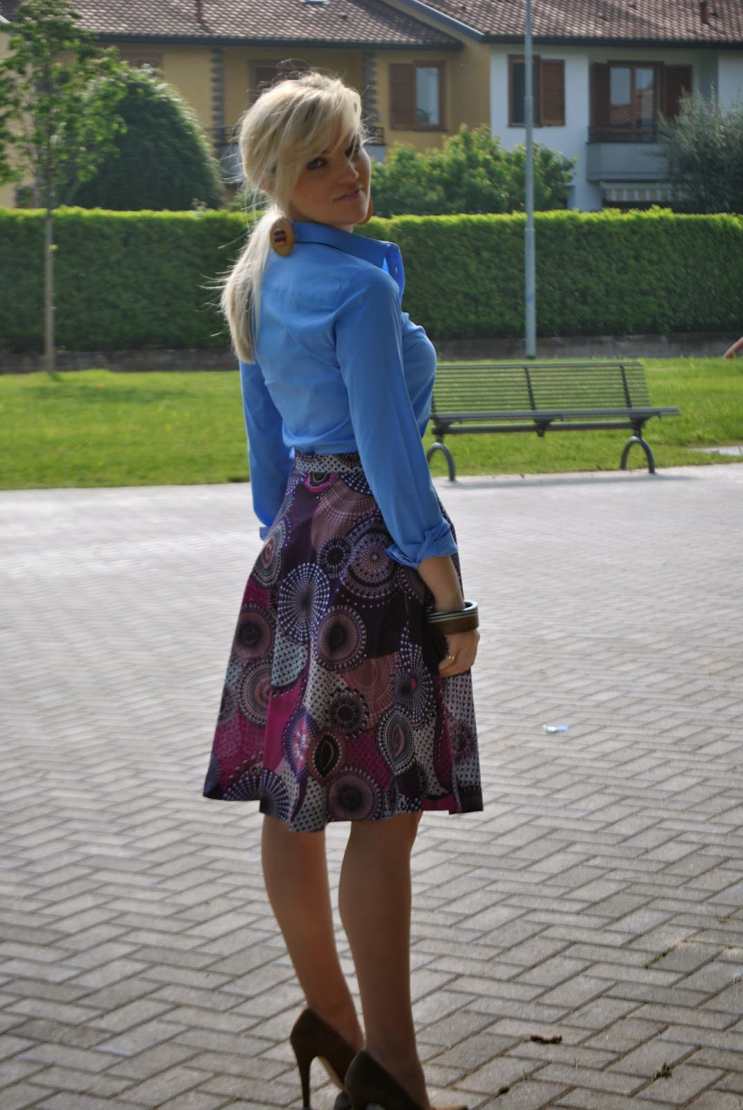 outfit gonna a ruota outfit midi skirt outfit gonna a ruota anni '50 outfit gonna a ruota stile stella jean outfit gonna a ruota etnica come abbinare la gonna a ruota abbinamenti gonna a ruota colorblock by felym blog di mariafelicia magno outfit di mariafelicia magno fashion blogger come abbinare la gonna ruota outfit camicia e gonna ruota outfit camicia celeste con maniche arrotolate outfit accessori in legno outfit orecchini fornarina fashion blogger milanooutfit primaverili outfit primavera 2014 outfit maggio 2014 outfit gonna a ruota e tacchi