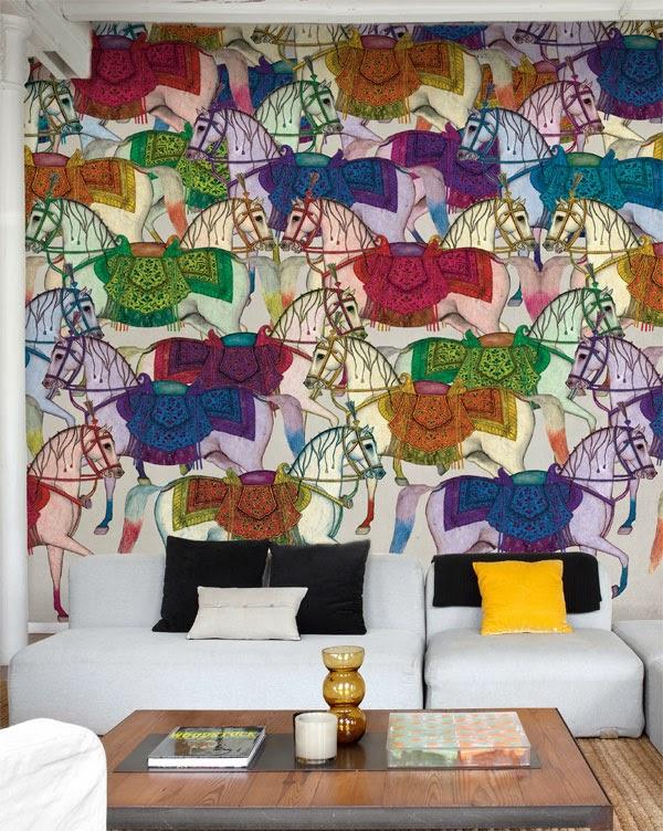 papel pintado con grandes caballos de colores karakorum de Tres Tintas
