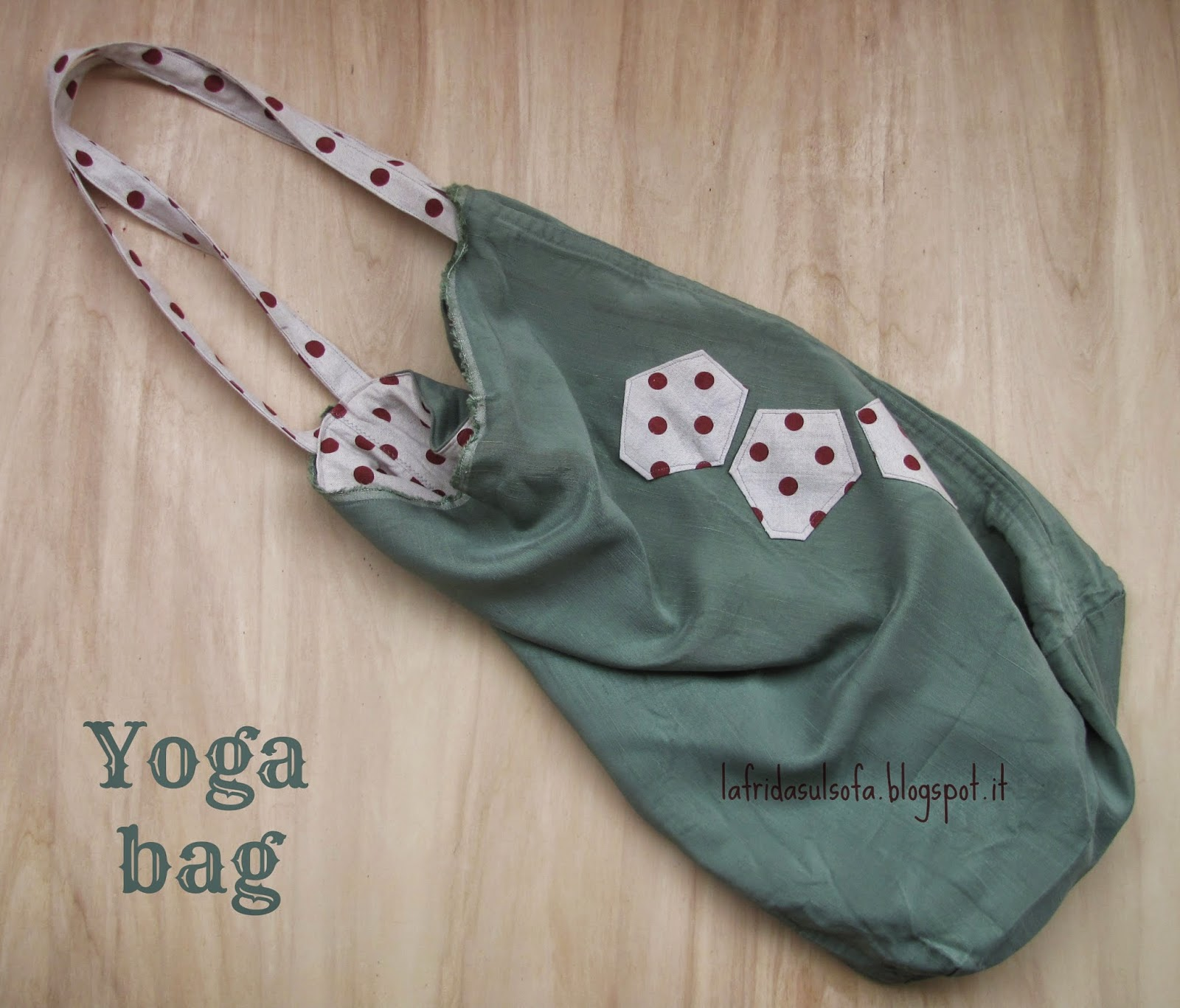 La Frida sul sofà: yoga bag a pois a due tasche - two pockets polka dotted yoga bag