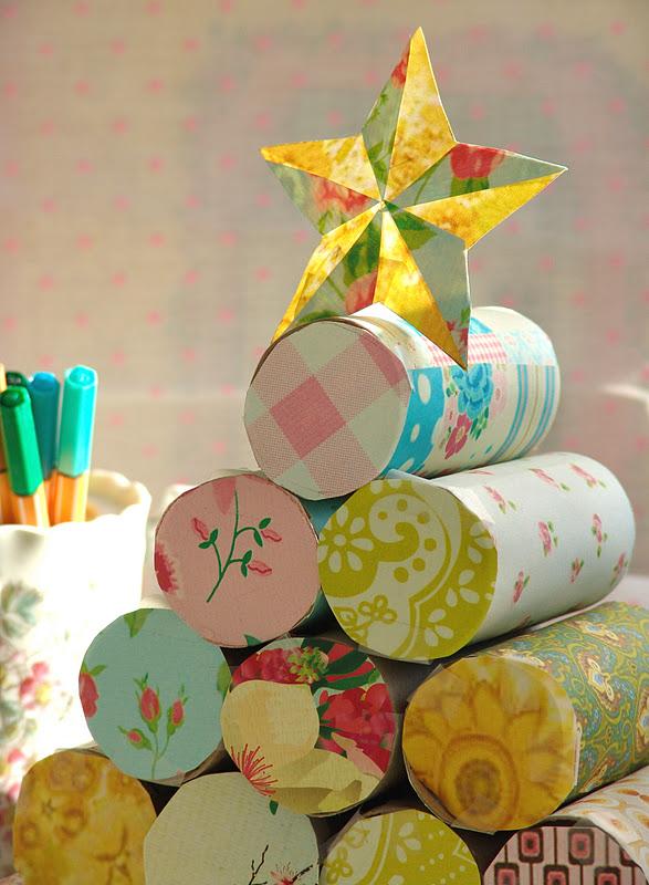 Lalibelula arbolito de navidad hecho con rollos de papel - Rollos de papel higienico decorados ...