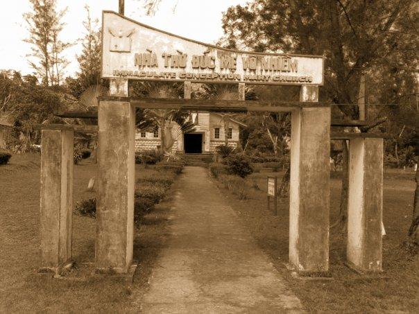 Gereja Tua yang Ditinggalkan