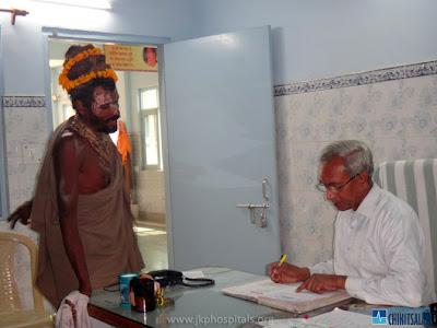Barsana Dham Sadhu treated at Jagadguru Kripalu Maharaj's charity hospital