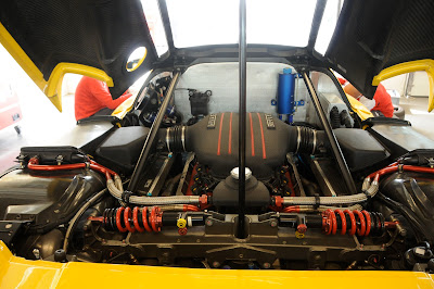 Ferrari FXX rear suspension Engine Service