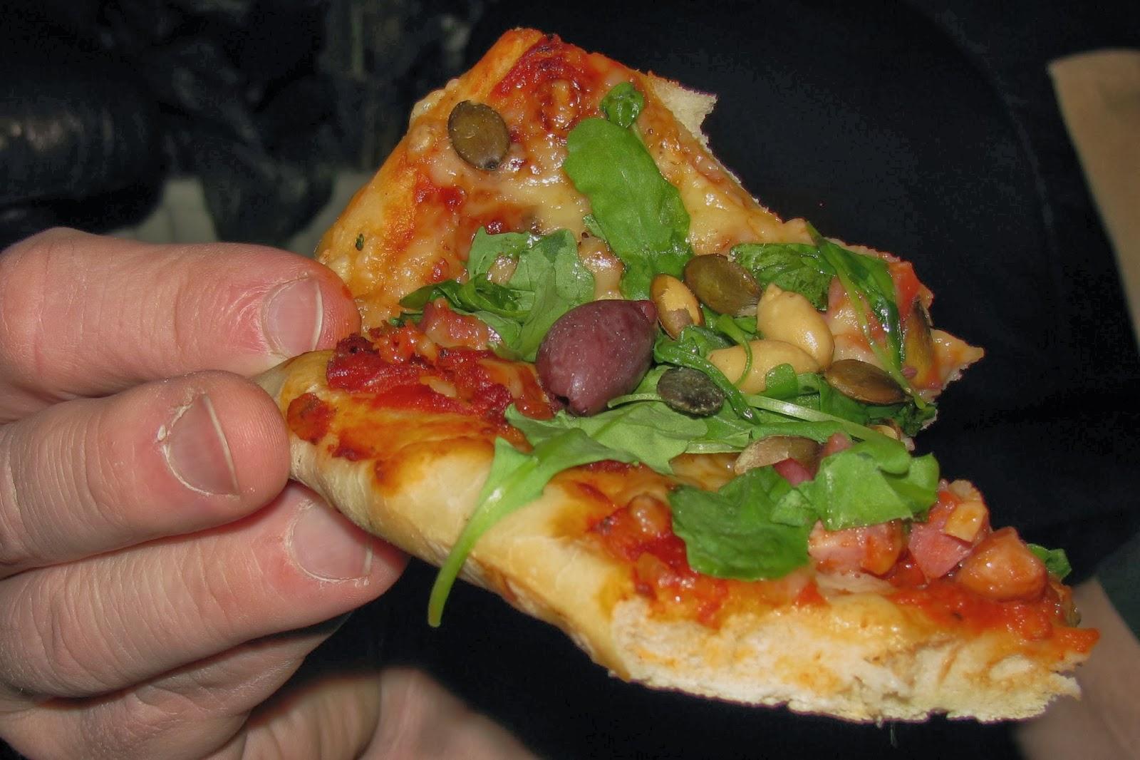 hemgjord pizza ugn