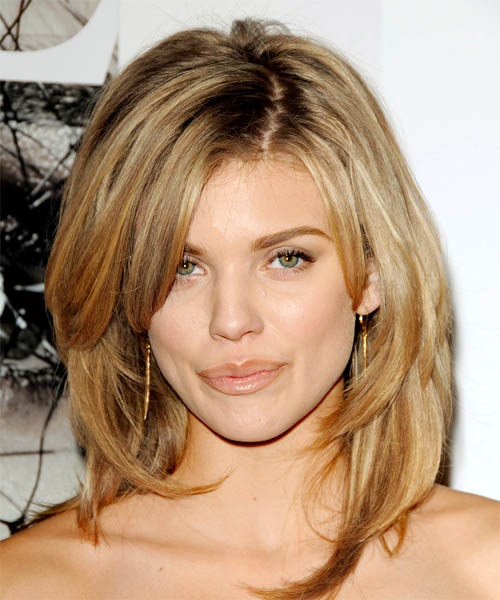 AnnaLynne-medium-long-layered-hairstyles-1