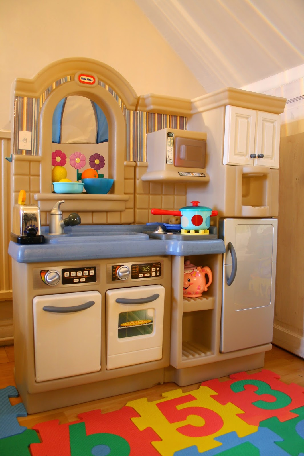 Little Tikes Play Kitchen With Grill our bargain buy: little tikes inside/outside cook 'n grill play