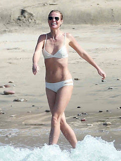 The pretty brunette, Gwyneth Paltrow, 43, has decided to spent quality time with boyfriend, Brad Falchuk, 44, at the shoreline in Mexico on Friday, January 15, 2016 in a white string bikini.