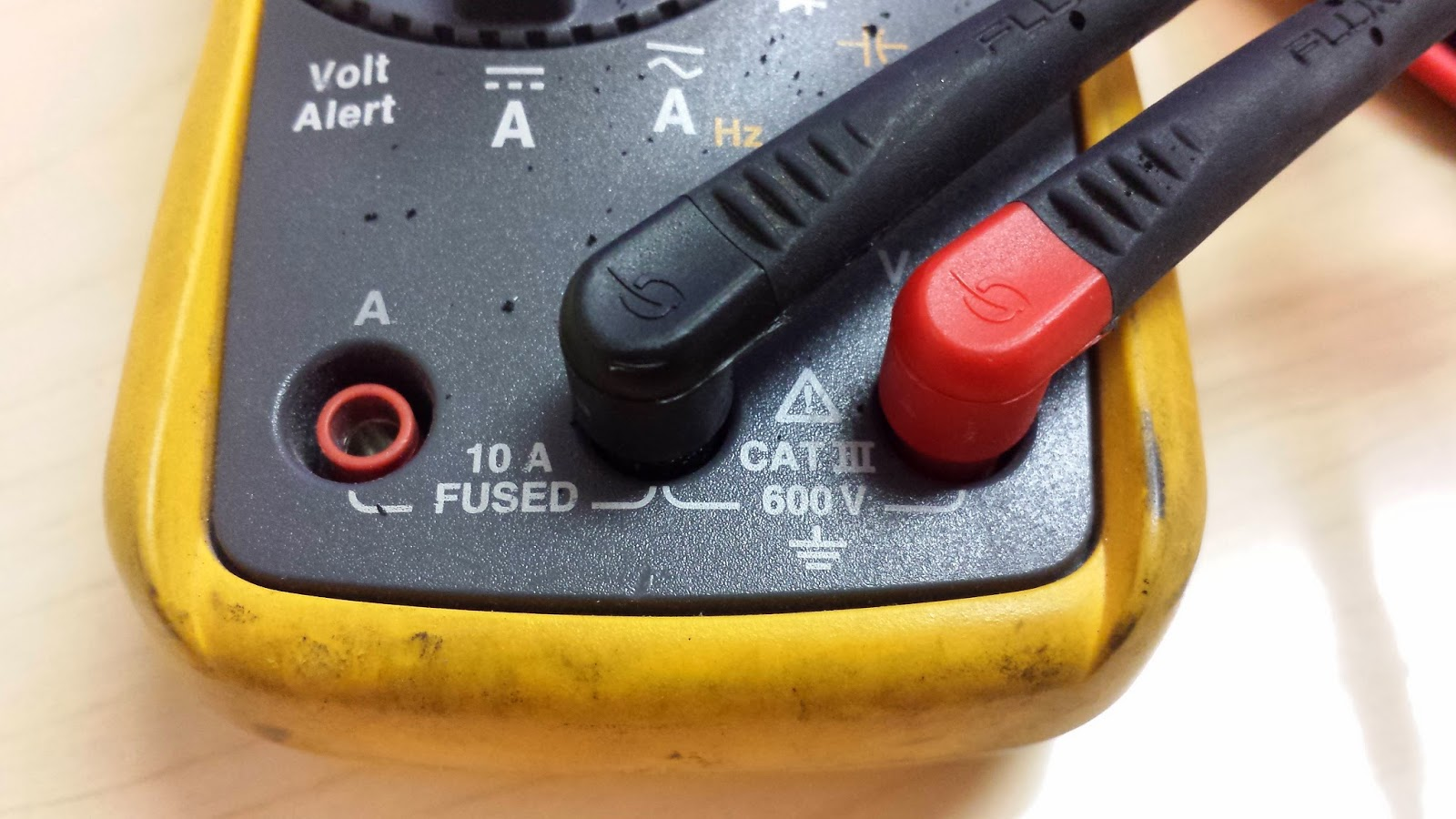 FLUKE Voltmeter or Multi Meter Test Lead Terminals