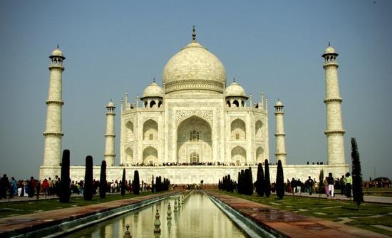 Muslim Asing Dilarang Bersembahyang di Taj Mahal Kecuali Jumat