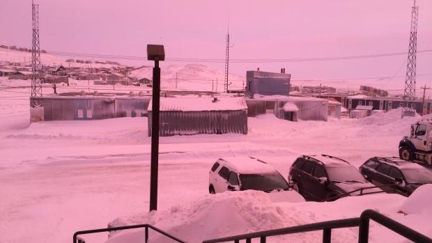 Μυστηριώδης ροζ καταιγίδα στο Eston του Καναδά (ΒΙΝΤΕΟ)