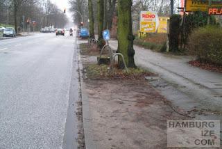 """Alsterkrugchaussee mit ehemaligem """"Radweg"""""""