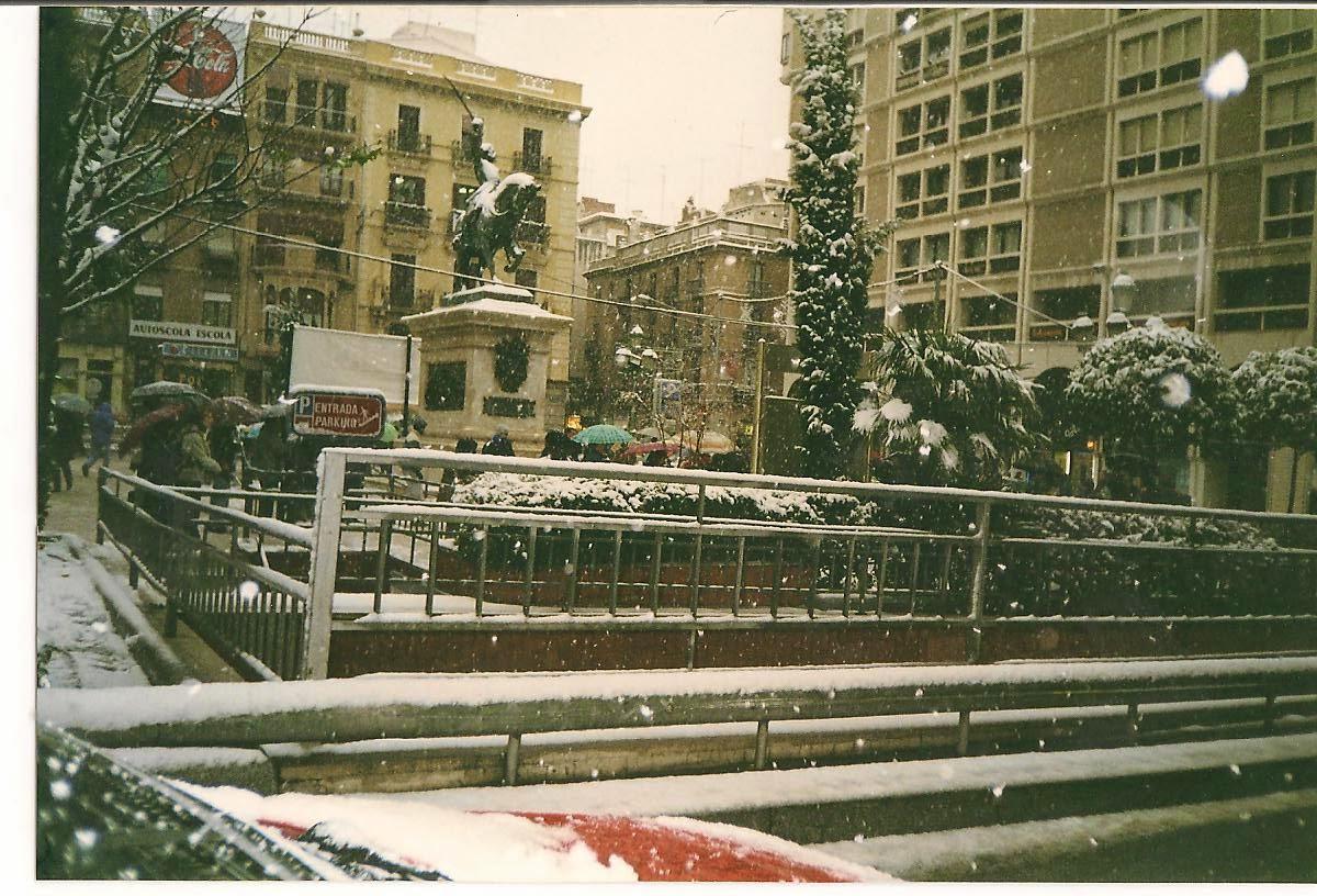 http://codinameteor.blogspot.com.es/2012/12/2001-la-primera-gran-nevada-del-segle.html