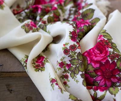 https://www.etsy.com/listing/229538311/russian-shawl-babushka-style-cream-white?ref=related-2