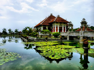 sukasada garden, taman sukasada, romantic garden, bali, taman romantis, amriholiday, indah is beauty, indonesia, pre wedding photos, Beautiful Holiday Destinations