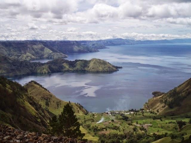 Misteri dan Seramnya Danau Toba