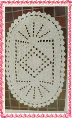 Tapete de Croche Oval com Gráfico