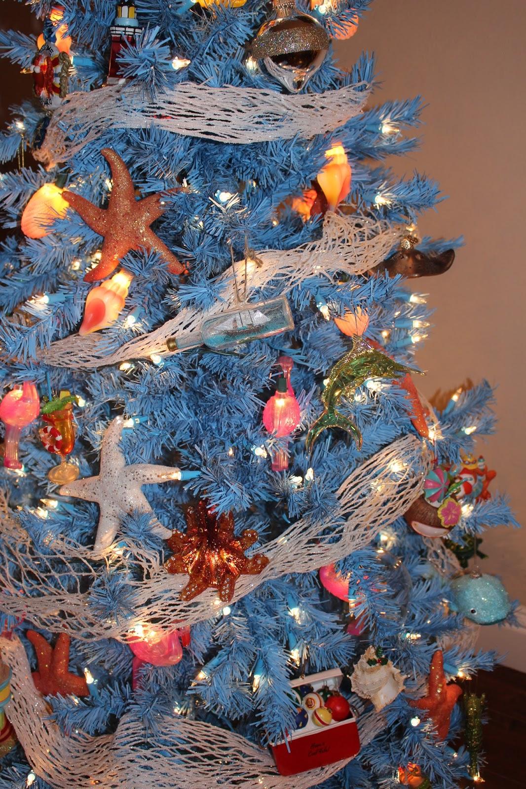christmas beach tree - Beach Christmas Tree