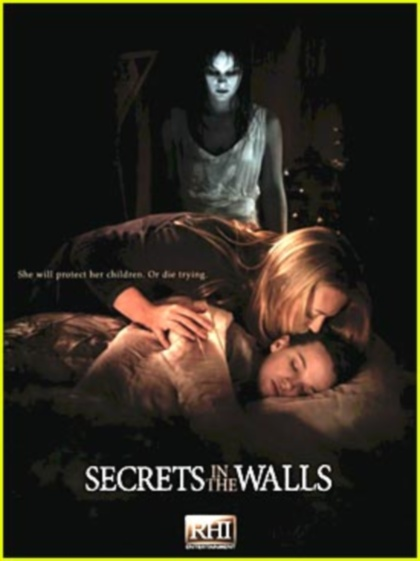 L'esprit d'une autre (Secrets in the Walls)