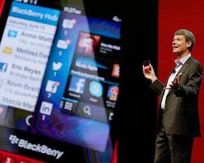 Un reporte de Reuters asegura que la compañía canadiense espera otras ofertas. BlackBerry podría estar recibiendo más ofertas de compra, de nombres como Cisco Systems, Google, Samsung, SAP y otros, según un reporte de Reuters. La compañía recibió una oferta del grupo de inversión canadiense Fairfax Financial Holdings, para adquirir la empresa por USD$4.700 millones, sin embargo, se fijó el 4 de noviembre para cerrar el trato. Hasta esa fecha, BlackBerry puede recibir otras ofertas y decidirse por la que le parezca mejor. Más que en los smartphones, los posibles compradores estarían interesados en la red segura de servidores de
