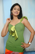Hari Priya Glamorous Photo shoot gallery-thumbnail-3