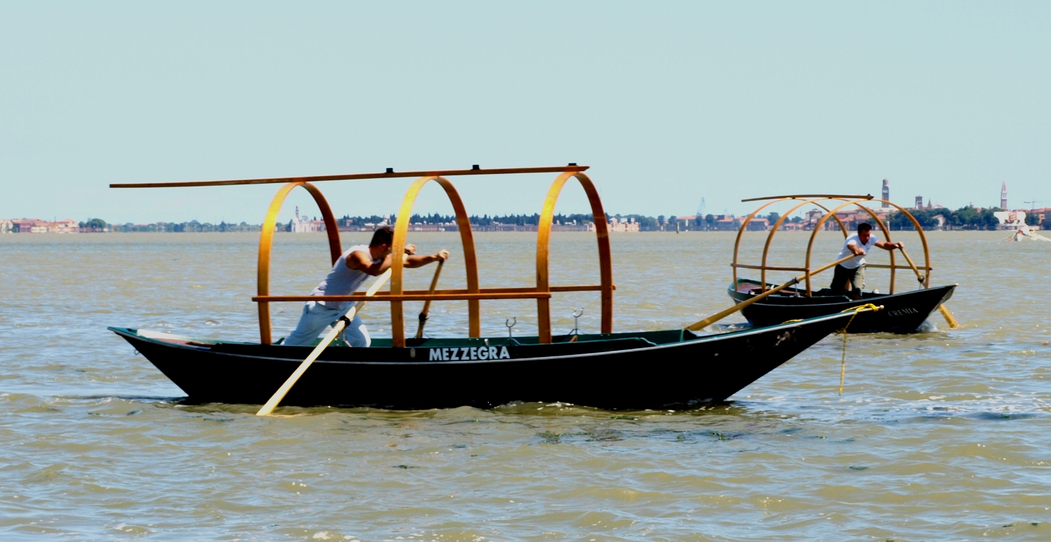 how to make a gondola boat
